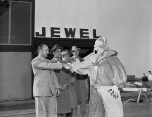 Mr_Thrifty_Clown_Greets_Jewel